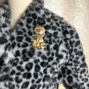 Vintage Jewelry - Vintage Cat Dreaming of Fish Pin